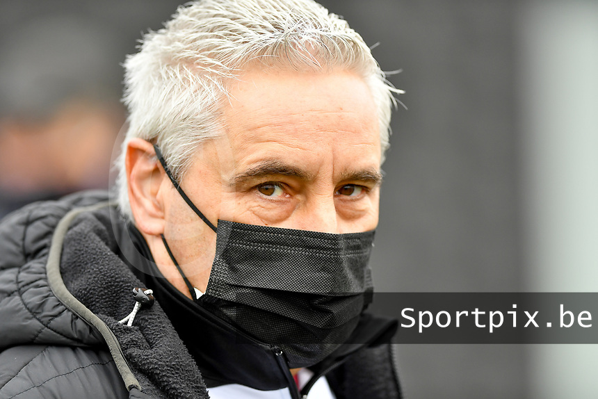 Aalst's head coach Dirk Decoen pictured during a female soccer game between Club Brugge Dames YLA and Eendracht Aalst Ladies on the 9 th matchday of the 2020 - 2021 season of Belgian Scooore Womens Super League , saturday 12 December 2020  in Brugge , Belgium . PHOTO SPORTPIX.BE | SPP | DAVID CATRY