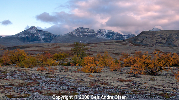 Hikeing in Rondane, Norwegian national park in fall
