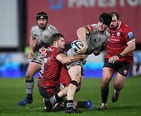 2nd January 2021; Kingsholm Stadium, Gloucester, Gloucestershire, England; English Premiership Rugby, Gloucester versus Sale Sharks; Tom Curry of Sale Sharks offloads out of the tackle from Ed Slater of Gloucester