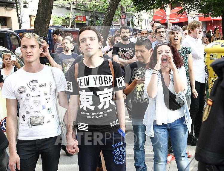 "People anti-fascit at the manifestation of far-right group , Hogar Social Madrid under the slogan "" Defend Spain , defend your people "", in the streets of Gran Via , San Bernardo and Plaza Dos de Mayo.  May 21, 2016. (ALTERPHOTOS/Rodrigo Jimenez)"