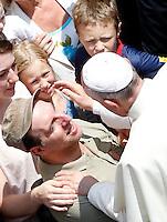 20130714 VATICANO: PAPA FRANCESCO RECITA L'ANGELUS A CASTEL GANDOLFO