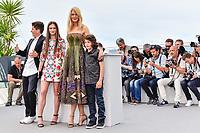 Sunny SULJIC, Nicole KIDMAN, Raffey CASSIDY et Barry KEOGHAN en photocall pour le film MISE A MORT DU CERF SACRE lors du soixante-dixième (70ème) Festival du Film à Cannes, Palais des Festivals et des Congres, Cannes, Sud de la France, lundi 22 mai 2017. Philippe FARJON / VISUAL Press Agency