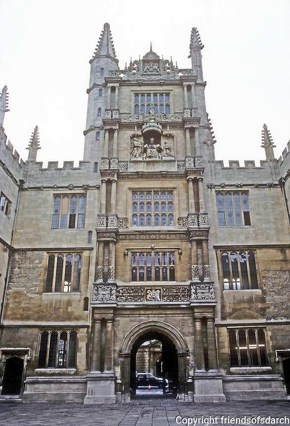 Oxford: Tower of the Five Orders, 1613-1628. Statue of James I under canopy. Doric, Tuscan, Ionic, Composite, Corinthian. Photo '87.