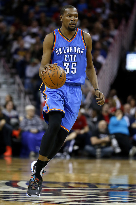 Oklahoma City Thunder forward Kevin Durant (35) drives with the ball during the second half of an NBA basketball game the New Orleans Pelicans Thursday, Feb. 25, 2016, in New Orleans. The Pelicans won 123-119. (AP Photo/Jonathan Bachman)