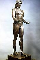 Greek Art:  Apollo.  Bronze sculpture.  Louvre.