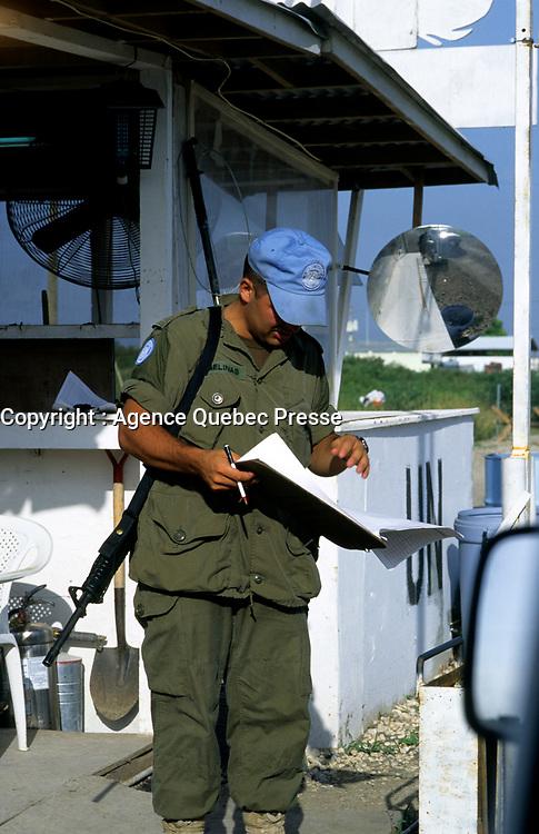 Canadian army soldier , during the United Nation<br /> 1997 peace mission in Haiti.<br /> <br /> Les soldats de l'armÈe Canadienne durant la mission de paix de l'ONU en 1997 en Haiti.<br /> <br /> photo : (c)  Images Distribution