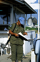 Canadian army soldier , during the United Nation<br /> 1997 peace mission in Haiti.<br /> <br /> Les soldats de l'armÈe Canadienne durant la mission de paix de l'ONU en 1997 en Haiti.<br /> <br /> photo : (c)  Images Distribution