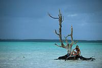 Iles Bahamas /Ile d'Eleuthera/Harbour Island/Dunmore Town: la plage et Fashion Tree - arbre mort célébré par de nombreux photographes de mode [Non destiné à un usage publicitaire - Not intended for an advertising use] [Non destiné à un usage publicitaire - Not intended for an advertising use]