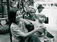 Mutter und Kind, Vietnam 1991