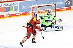 Eishockey DEL 37. Spieltag: Düsseldorfer EG vs <br /> ERC Ingolstadt am 07.04.2021 im ISS Dome in Düsseldorf<br /> <br /> Düsseldorfs Ken Andre Olimb (Nr.40) Schuss aufs tor von Ingolstadts Torhüter Michael Garteig (Nr.34) geht in die Wolken<br /> <br /> Foto © PIX-Sportfotos *** Foto ist honorarpflichtig! *** Auf Anfrage in hoeherer Qualitaet/Aufloesung. Belegexemplar erbeten. Veroeffentlichung ausschliesslich fuer journalistisch-publizistische Zwecke. For editorial use only.