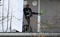 Sebastien Haller (Eintracht Frankfurt) beim Training im Stadionring - 20.02.2019: Eintracht Frankfurt Training, UEFA Europa League, Commerzbank Arena, DISCLAIMER: DFL regulations prohibit any use of photographs as image sequences and/or quasi-video.