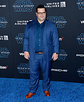"LOS ANGELES, USA. December 17, 2019: Josh Gad at the world premiere of ""Star Wars: The Rise of Skywalker"" at the El Capitan Theatre.<br /> Picture: Paul Smith/Featureflash"