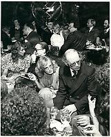 Warren Allmand<br /> dans une discotheque (possiblement CHEZ REGINE), le 12 decembre 1978<br /> <br /> <br /> PHOTO :  Agence Quebec Presse
