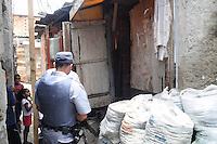 SAO PAULO)30 de dezembro 2012.(APREENSAO FOGOS DE ARTIFICIOS) Policiais militares do 46 batalhao atraves de denuncia anonima uma grande contidade de fogos de artificio,  linha de pipa chilena, maquinas cacha niquel e cigaros do paraguai, No Jd Sao Savero Bairro Ipiranga. Uma pessoa foi presa Sandra Cristina da Silva Rocha de 45 anos foi encaminhada ao 26 dp. Segundo Policia militar a quantidade de explosivo encontrado na casa poderia explodir metade da Comunidade. ADRIANO LIMA / BRAZIL PHOTO PRESS).