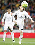 Real Madrid's Luka Modric (r) and Carlos Henrique Casemiro during La Liga match. April 20,2016. (ALTERPHOTOS/Acero)