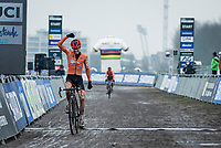 Pim Ronhaar (NED/Pauwels Sauzen-Bingoal) crossing the finish line victoriously<br /> <br /> UCI 2021 Cyclocross World Championships - Ostend, Belgium<br /> <br /> U23 Men's Race<br /> <br /> ©kramon