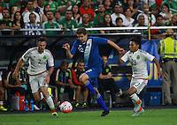 Miguel Ayun (i), Minos Lopez de Guatemala   y Jose Juan Vazquez de Mexico ,durante partido entre las selecciones de Mexico y Guatemala  de la Copa Oro CONCACAF 2015. Estadio de la Universidad de Arizona.<br /> Phoenix Arizona a 12 de Julio 2015.