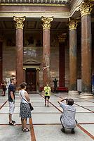 Säulensaal im Parlament, Dr.-Karl-Renner-Ring 3, Wien, Österreich, UNESCO-Weltkulturerbe<br /> nside the Parliament, Vienna, Austria, world heritage