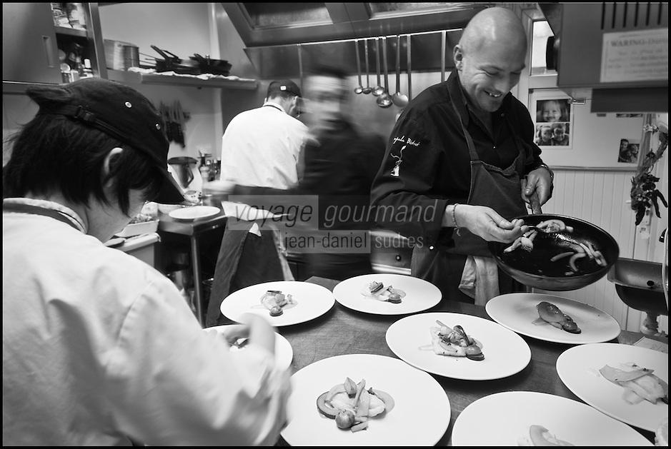 Europe/France/Bretagne/22/Côtes d'Armor/Saint-Brieuc: Jean-Marie Baudic en cuisine dans son restaurant: Youpala Bistrot [Non destiné à un usage publicitaire - Not intended for an advertising use]