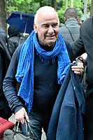 Michel FUGAIN arrive au studio Gabriel pour l'enregistrement de 'Vivement Dimanche' - 26/04/2017 - Paris, France