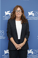 """VENICE, ITALY - SEPTEMBER 10: Nicole Holofcener attends the photocall of """"The Last Duel"""" during the 78th Venice International Film Festival on September 10, 2021 in Venice, Italy. <br /> CAP/GOL<br /> ©GOL/Capital Pictures"""