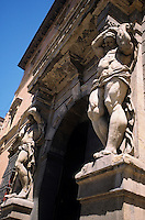 Europe/Italie/Emilie-Romagne/Bologne : Portail du Palais Davia Bergellini (XVII°)
