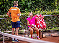 Almere, The Netherlands, August 24, 2018,  National Tennis Center, Arianne Hartono (NED) with coach Roel Oostdam (NED)<br /> Photo: Tennisimages/Henk Koster