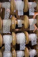 Italie, Val d'Aoste, Parco Nazionale del Gran Paradiso (Parc National du Grand Paradis), Cogne:  Maison des dentelles,  Coopérative des Dentellières,  Maison di pitz//Italy, Aosta Valley, Parco Nazionale del Gran Paradiso (Gran Paradiso National Park), Cogne: Les Dentelles are Cogne's traditional bobbin laces, Maison di pitz