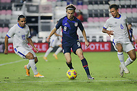 FORT LAUDERDALE, FL - DECEMBER 09: Brenden Aaronson #8 of the United States moves with the ball during a game between El Salvador and USMNT at Inter Miami CF Stadium on December 09, 2020 in Fort Lauderdale, Florida.