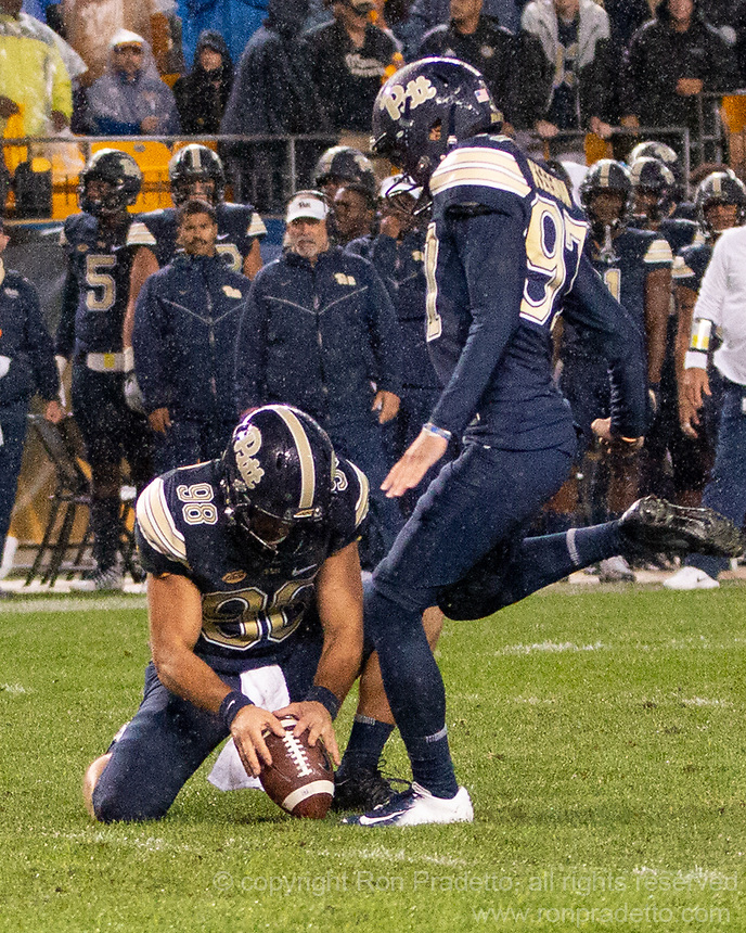 Pitt punter Kirk Christondoulou (98) muffs an extra point snap as kicker Alex Kessman tries to kick the ball. The Penn State Nittany Lions defeated the Pitt Panthers 51-6 on September 08, 2018 at Heinz Field in Pittsburgh, Pennsylvania.