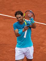 Paris, France, 24 June, 2016, Tennis, Roland Garros,  Rafael Nadal (ESP) thanking the crowd<br /> Photo: Henk Koster/tennisimages.com