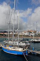 Hafen in Praia da Vitoria auf der Insel Terceira, Azoren, Portugal