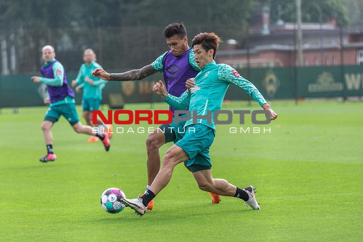 09.09.2020, Trainingsgelaende am wohninvest WESERSTADION - Platz 12, Bremen, GER, 1.FBL, Werder Bremen Training<br /> <br /> <br /> Davie Selke  (SV Werder Bremen #09)<br /> Yuya Osako (Werder Bremen #08)<br /> <br /> <br /> Foto © nordphoto / Kokenge
