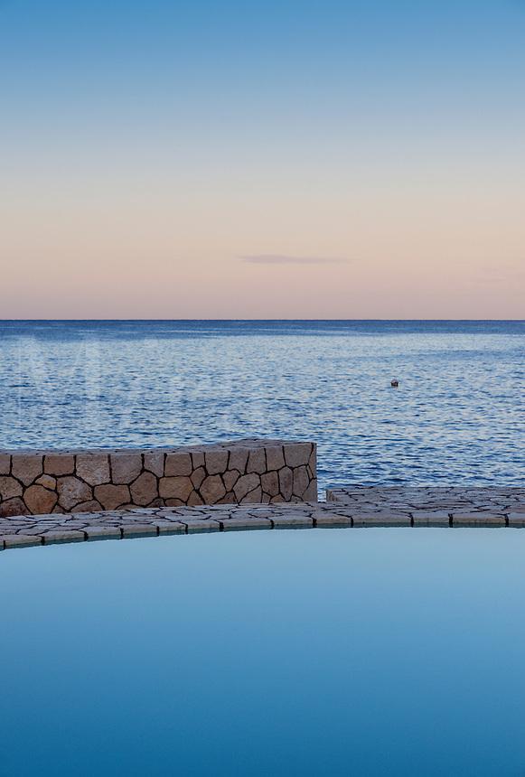 Spa pool overlooking the ocean, Negril, Jamaica