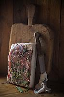 Italie, Val d'Aoste, Val d'Ayas,  Ayas: Maison d'Hôte: Frantze le rascard 1721,  Vieux chalet de 1721 - Lard d'Arnad // Italy, Aosta Valley, Ayas: House Host: Frantze 1721 rascard Old cottage 1721, Lard d'Arnad (PDO)