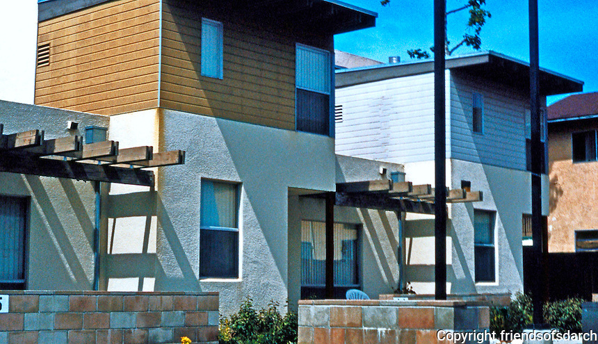 Studio E: Escondido Emerald Garden Townhomes. Low-cost housing, 2001. (Photo '04)
