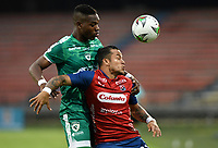 MEDELLÍN- COLOMBIA, 05-03-2021.Leonardo Castro del  Deportivo  Independiente Medellín disputa el balón con  La Equidad durante partido por la fecha 11 entre Deportivo Independiente Medellín y La Equidad como parte de la Liga BetPlay DIMAYOR 2021 jugado en el estadio  Atanasio Girardot de la ciudad de Medellín. / Leonardo Castro of  Deportivo Independiente Medellin<br /> vies for the ball with of La Equidad during match for the date 11 between Deportivo Independiente Medellin  and La Equidad as a part BetPlay DIMAYOR League I 2020 played at Atanasio Girardot stadium in Medellin city. Photo: VizzorImage / Luis Benavides / Contribuidor
