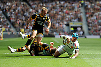 Jack Nowell of Exeter Chiefs evades the efforts of Dan Robson and Josh Bassett of Wasps to score a try during the Premiership Rugby Final at Twickenham Stadium on Saturday 27th May 2017 (Photo by Rob Munro)