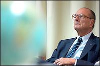 Visite du prÈsident de la RÈpublique, jacques CHIRAC, accompagnÈ de MichËle ALLIOT MARIE, Ministre de la DÈfense au CEA (Commissariat de l'Energie Atomique) d'Application Militaire. #