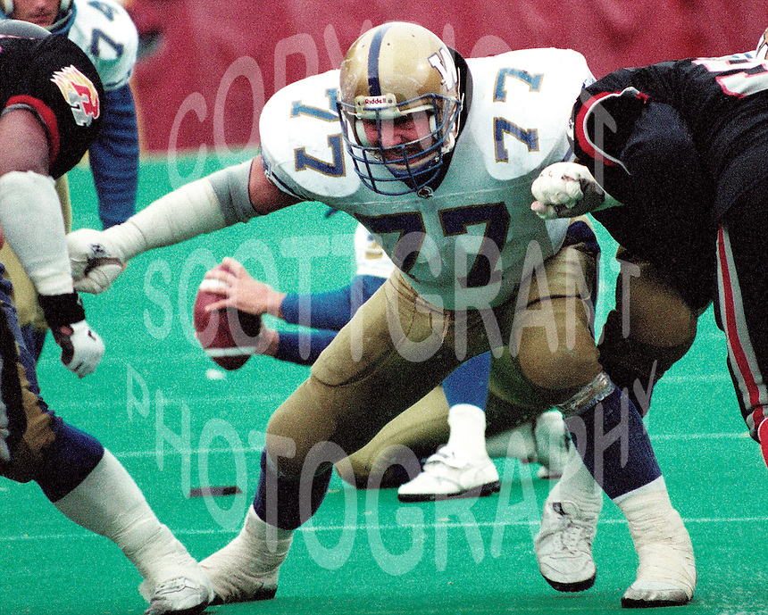 Stan Mikawos Winnipeg Blue Bombers 1991. Copyright photograph Scott Grant