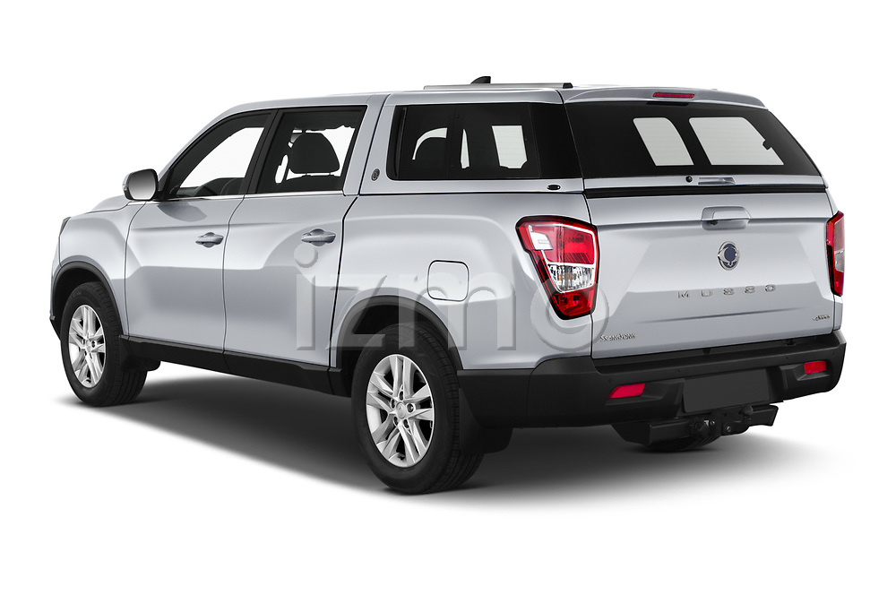 Car pictures of rear three quarter view of 2020 Ssangyong Musso Quartz 4 Door Pick-up Angular Rear