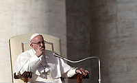 Papa Francesco tiene l'udienza generale del mercoledi' in Piazza San Pietro, Citta' del Vaticano, 21 novembre 2018.<br /> Pope Francis leads his weekly general audience in St. Peter's Square at the Vatican, on November 21, 2018.<br /> UPDATE IMAGES PRESS/Isabella Bonotto<br /> <br /> <br /> STRICTLY ONLY FOR EDITORIAL USE
