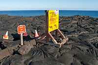 End of Trail sign, warning the danger of lava bench collapse, Chain of Crater Road, Hawaii Volcanoes National Park, Kilauea, Big Island, Hawaii, USA, Pacific Ocean
