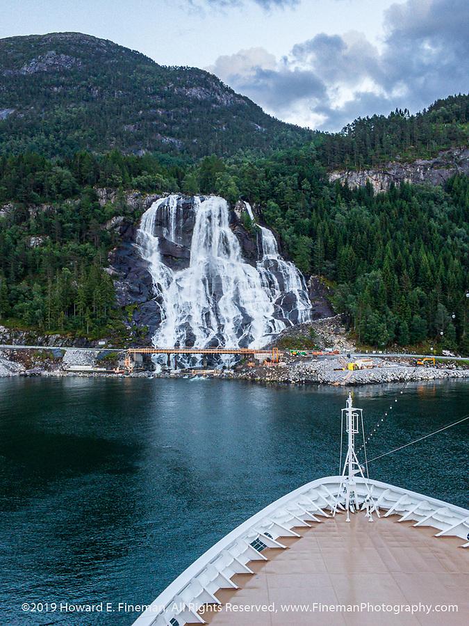 Impressive waterfall leaving Eidfjord