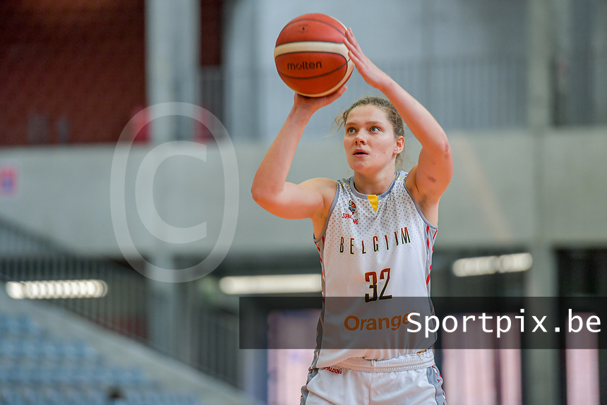 Heleen Nauwelaers (32) of Belgium pictured during a basketball game between the national teams of Belgium , called the Belgian Cats , and Nigeria on Sunday 30 th of May 2021 in Kortrijk , Belgium . PHOTO SPORTPIX.BE | SPP | STIJN AUDOOREN