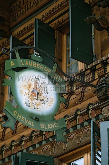 """Europe/Suisse/Pays d'Enhaut/Rougemont:: Enseigne de l'hôtel-restaurant du """"Cheval Blanc"""""""