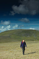 Walking on A'Mharconaich, Monadhliath, Drumochter Pass, Cairngorm National Park, Highlands<br /> <br /> Copyright www.scottishhorizons.co.uk/Keith Fergus 2011 All Rights Reserved