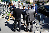 EXCLUSIF, DIMANCHE 23 AVRIL 2017, ECOLE NATIONALE DE MUSIQUE DE VILLEURBANNE, NAJAT VALLAUD BELKACEM VOTE AUX ELECTIONS PRESIDENTIELLES, SOUTIEN DE BENOIT HAMON VIENT VOTER AU BUREAU NUMERO 38 ET SALUT AU PASSAGE LES VOTANTS.