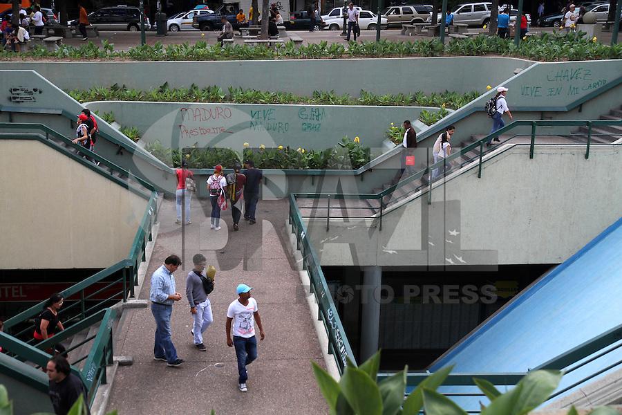 Há poucos dias da eleição presidencial, pixações de campanha estão por toda parte na cidade de Caracas, na Venezuela. Esta é a campanha mais curta da história da Venezuela. FOTO: AMANDA PEROBELLI/BRAZIL PHOTO PRESS