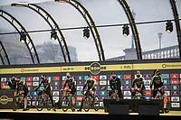 Team Mitchelton-Scott presentation pre-race<br /> <br /> 104th Ronde van Vlaanderen 2020 (1.UWT)<br /> 1 day race from Antwerpen to Oudenaarde (BEL/243km) <br /> <br /> ©kramon